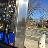 3/29/2017にNicholas A.がBurnt Mills Sunoco Gas Stationで撮った写真