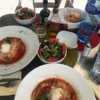 Foto tirada no(a) Tuscania Food & Wine por Jana D. em 6/10/2018