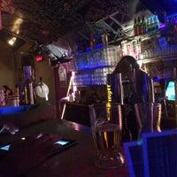 Das Foto wurde bei Wombat's City Bar von Sami O. am 1/4/2013 aufgenommen