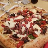 Foto scattata a Pizzeria La Notizia da Annalisa B. il 1/4/2018