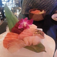 Photo prise au Masamoto Sushi & Asian Grill par Dave F. le3/14/2014