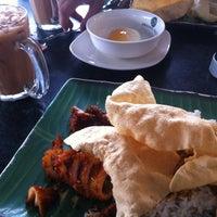 Photo taken at Restoran Original Penang Kayu Nasi Kandar by Jija 🦁 on 12/21/2014