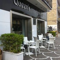 Photo taken at Queen's Coffee by Valentina I. on 4/26/2013