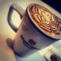 3/21/2013 tarihinde Eren F.ziyaretçi tarafından Gloria Jean's Coffees'de çekilen fotoğraf