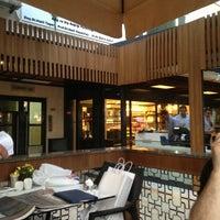 7/14/2013 tarihinde Emre S.ziyaretçi tarafından Divan Pub'de çekilen fotoğraf