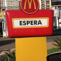 Foto tirada no(a) McDonald's por Thallita A. em 12/5/2012