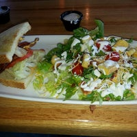 Photo taken at Applebee's Neighborhood Grill & Bar by Kenneth O. on 8/23/2013