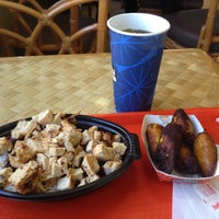 Photo taken at Pollo Tropical by Paulo C. on 11/9/2012