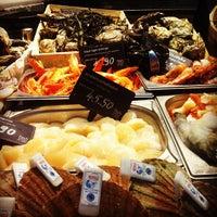 Das Foto wurde bei Fischvierterl am Naschmarkt von Eduardo T. am 11/2/2012 aufgenommen