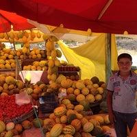 Photo taken at İsmail'in kavun dükkanı by Lütfi Eren on 9/14/2014