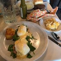 Foto scattata a Sassafras American Eatery da Katey F. il 10/29/2017