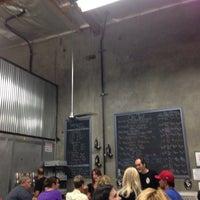 10/19/2013에 Gordon S.님이 Timeless Pints Brewery에서 찍은 사진