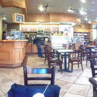 Photo taken at The Coffee Bean & Tea Leaf by Charlie R. on 9/26/2012