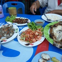 Photo taken at E-San Lom Choy by Honey L. on 3/30/2013