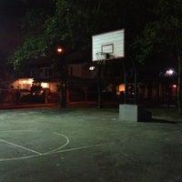 Photo taken at Tabuan Jaya Basketball Court by Juliusqmo 💎🎤 on 3/6/2013
