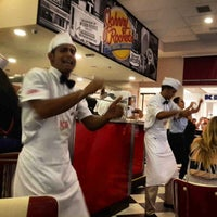 Photo taken at Johnny Rockets by Wagner S. on 3/30/2014