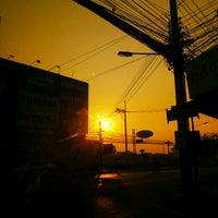 Photo taken at ถนนศรีโสธรตัดใหม่ by Nawatt S. on 1/8/2013