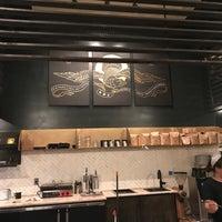2/24/2018 tarihinde Yasir A.ziyaretçi tarafından Rival Bros Coffee Bar'de çekilen fotoğraf