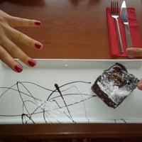1/27/2013 tarihinde Elcin U.ziyaretçi tarafından Bouffe Cafe Restaurant'de çekilen fotoğraf