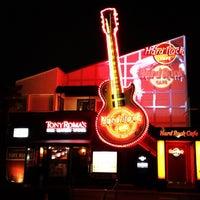 Photo taken at Hard Rock Cafe Tokyo by rtanaka1ro on 9/22/2012