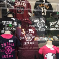 Photo taken at The Temple Bar Trading Company by Marcia F. on 5/1/2017