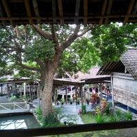 Foto diambil di Moro Lejar Restaurant oleh christa s. pada 3/15/2014