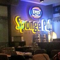 1/18/2013 tarihinde Taner S.ziyaretçi tarafından Sponge Pub'de çekilen fotoğraf