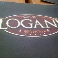 Foto tomada en Logan's Tavern Tecnológico por Martha C. el 6/15/2013