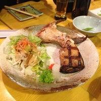 Photo taken at Murasaki Restaurant and Sushi Bar by Yatting Y. on 11/15/2012