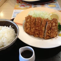 Photo taken at ジョナサン 荻窪北店 by がんちゃん on 6/20/2013