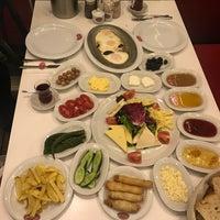 Foto tirada no(a) Tarihi Sebat Et Lokantası por Nafız Ç. em 4/10/2018