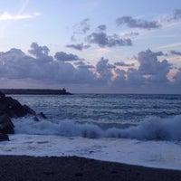 Photo taken at Itzurun | San Telmo Beach by Ciska V. on 8/10/2017