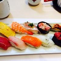 Photo taken at 旭鮨総本店 桜ヶ丘本館 by Hito M. on 12/10/2013