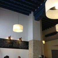 Foto tomada en La Brunilda por BOUTIQUE HOTEL H. el 10/16/2012
