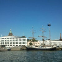 Photo taken at HSL 0099 Kauppatori (Suomenlinnan lautan terminaali) by Diana I. on 7/28/2013