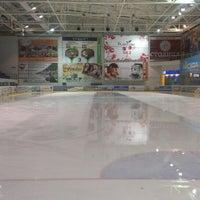 2/28/2013 tarihinde Dmytro K.ziyaretçi tarafından Айс Холл / Ice Hall'de çekilen fotoğraf