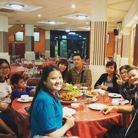 Photo taken at Phoenix Restaurant by Setia D. on 4/30/2017