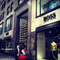 4/27/2013 tarihinde Iya I.ziyaretçi tarafından BOSS Store'de çekilen fotoğraf