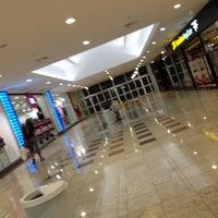 Foto tirada no(a) Rio Preto Shopping Center por Luis A. em 5/16/2013