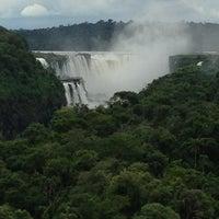Foto tomada en Sheraton Iguazú Resort & Spa por Matthew P. el 12/29/2012