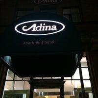 Photo taken at Adina Apartment Hotel by Kae on 9/11/2015