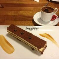 4/5/2013 tarihinde Ebru A.ziyaretçi tarafından Del Moon Coffee & Food & Hookah'de çekilen fotoğraf