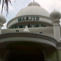 Photo taken at Masjid Ibnu Sina by Andrian S. on 11/9/2012