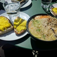 Das Foto wurde bei Cargo Coffee + Vegetarian Food von isojanis 🐇 . am 6/16/2017 aufgenommen