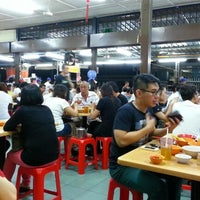 Photo taken at Heng Kee Bak Kut Teh 兴记肉骨茶 by Darren L. on 11/24/2012