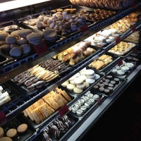 Foto tirada no(a) Argentina Bakery por JC C. em 12/2/2012