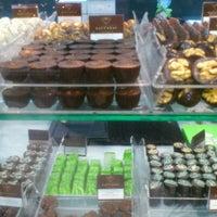 Das Foto wurde bei Baccarat Chocolatier von Svetlana A. am 1/12/2013 aufgenommen