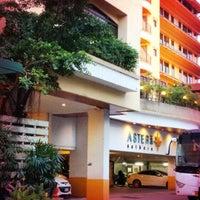 Foto tomada en Astera Sathorn Hotel por Artem P. el 11/12/2012