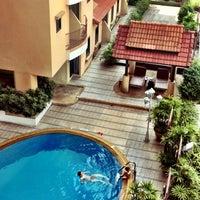 Foto tomada en Astera Sathorn Hotel por Artem P. el 11/11/2012