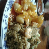 Photo taken at Lin Lin Chinesse Food by Arturo C. on 11/25/2012